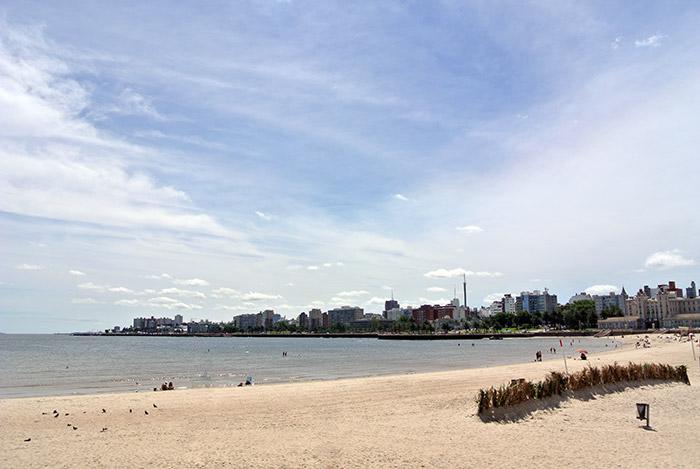 Endlich wieder mal ein Strand an dem nicht nur Pinguine schwimmen können :-)